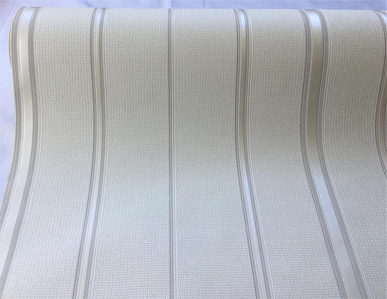 Белые немецкие обои 600325 с тонкими фактурными перламутровыми металлизированными полосками на матовом фоне