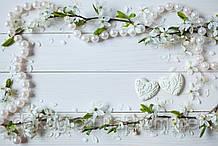 Фотофон А3 (42х29,7см) Цветы вишни бусины белое дерево