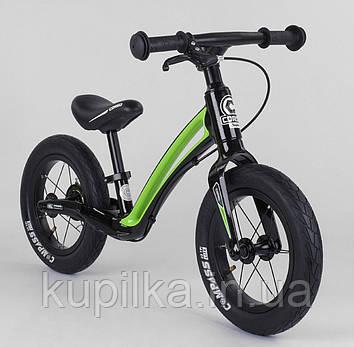 """Детский маневренный двухколесный велобег с ручным тормозом Corso """"Prime C7"""" 92197, черно-зеленый"""