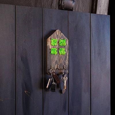 Ключница деревянная из мхом