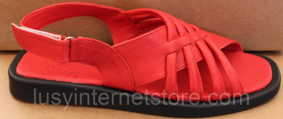 Шкіряні босоніжки на низькому ходу від виробника модель ЛС2109-1