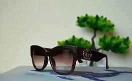 Солнцезащитные коричневые очки в шикарной оправе