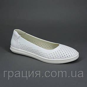 Жіночі літні шкіряні туфлі з перфорацією