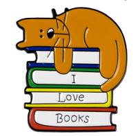 Брошь брошка пин значок металл кот кошка спит на книгах i love books