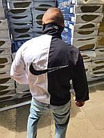 Ветровка мужская найк nike черно-белая спортивная с большим логотипом чоловіча вітровка