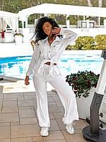 Прогулочный женский костюм-двойка легкий белого  цвета