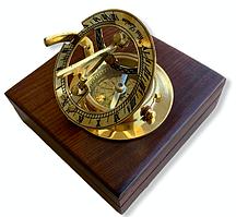 Компас бронзовый в деревянном футляре Солнечные Часы 7 см
