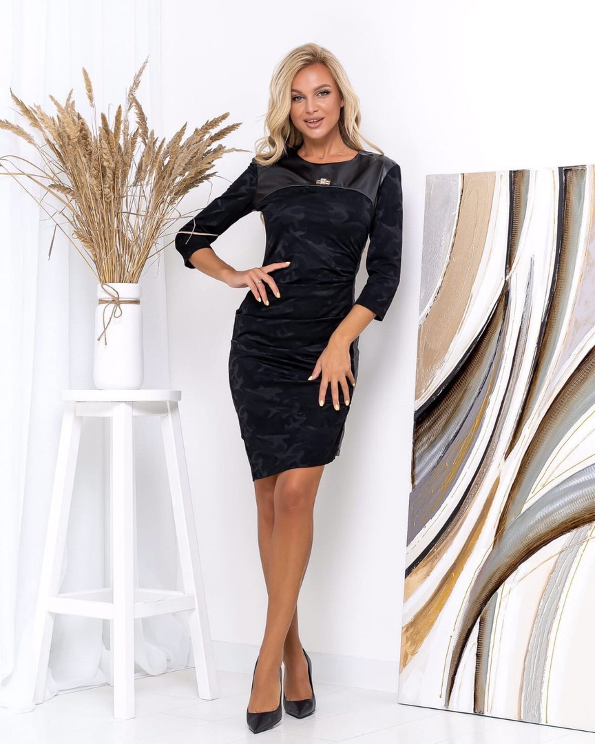 Жіноча облягаюча сукня, 44