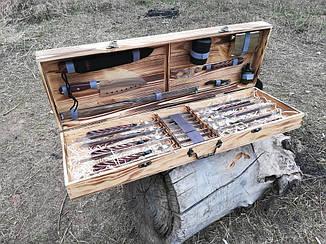 """Набор 8 шампуров с кованной ручкой """"Перо""""(670х12х3 мм) + набор из 8 аксессуаров в деревянном кейсе"""