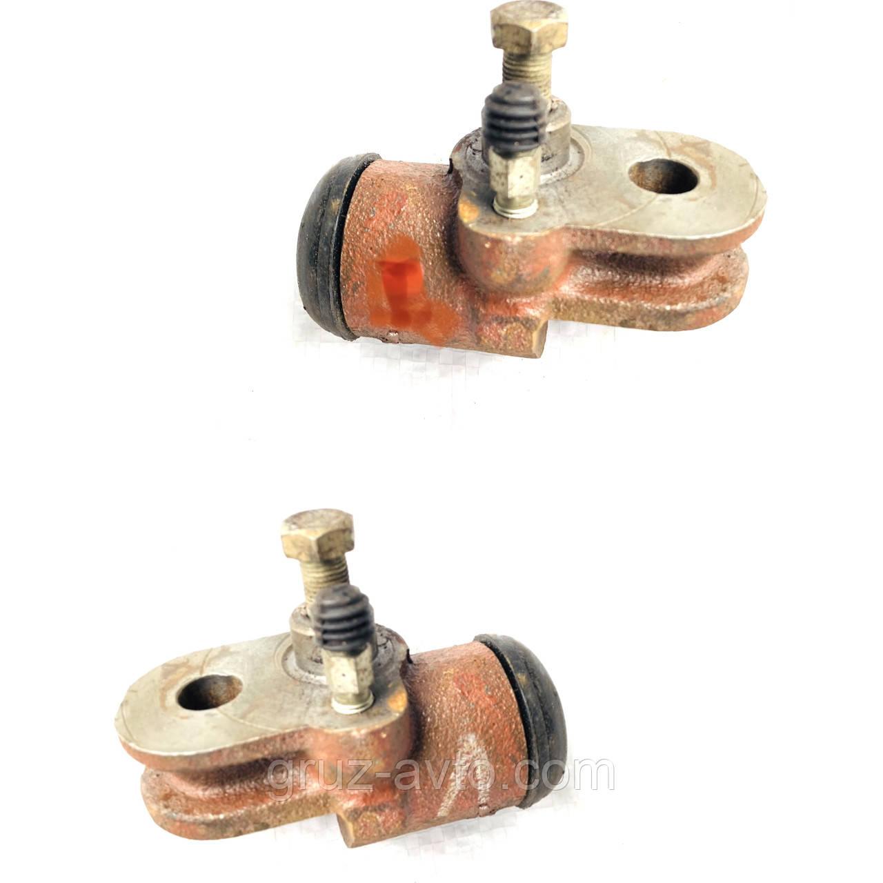 Цилиндр колесный рабочий переднего тормоза (2 шт. комплект) ГАЗ-66  правый 66163501040 и левый 66163501041