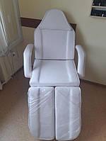 Косметическая кушетка лежак белая с лотками для педикюра BW-263 White