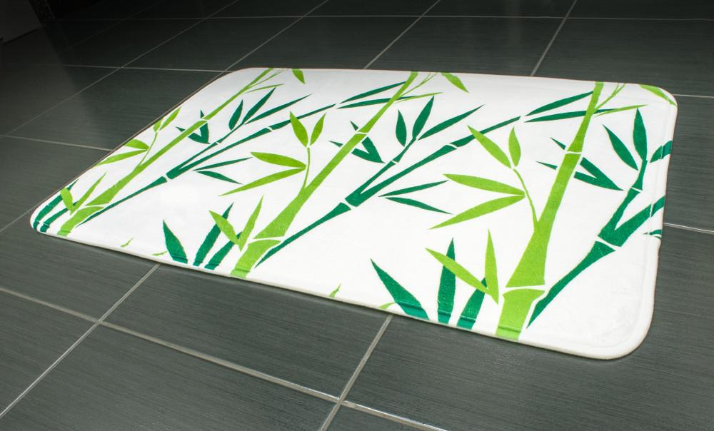 Коврик для ванной Tatkraft GREEN BAMBOO из микрофибры  с противоскользящим основанием 50x80 см (14954)