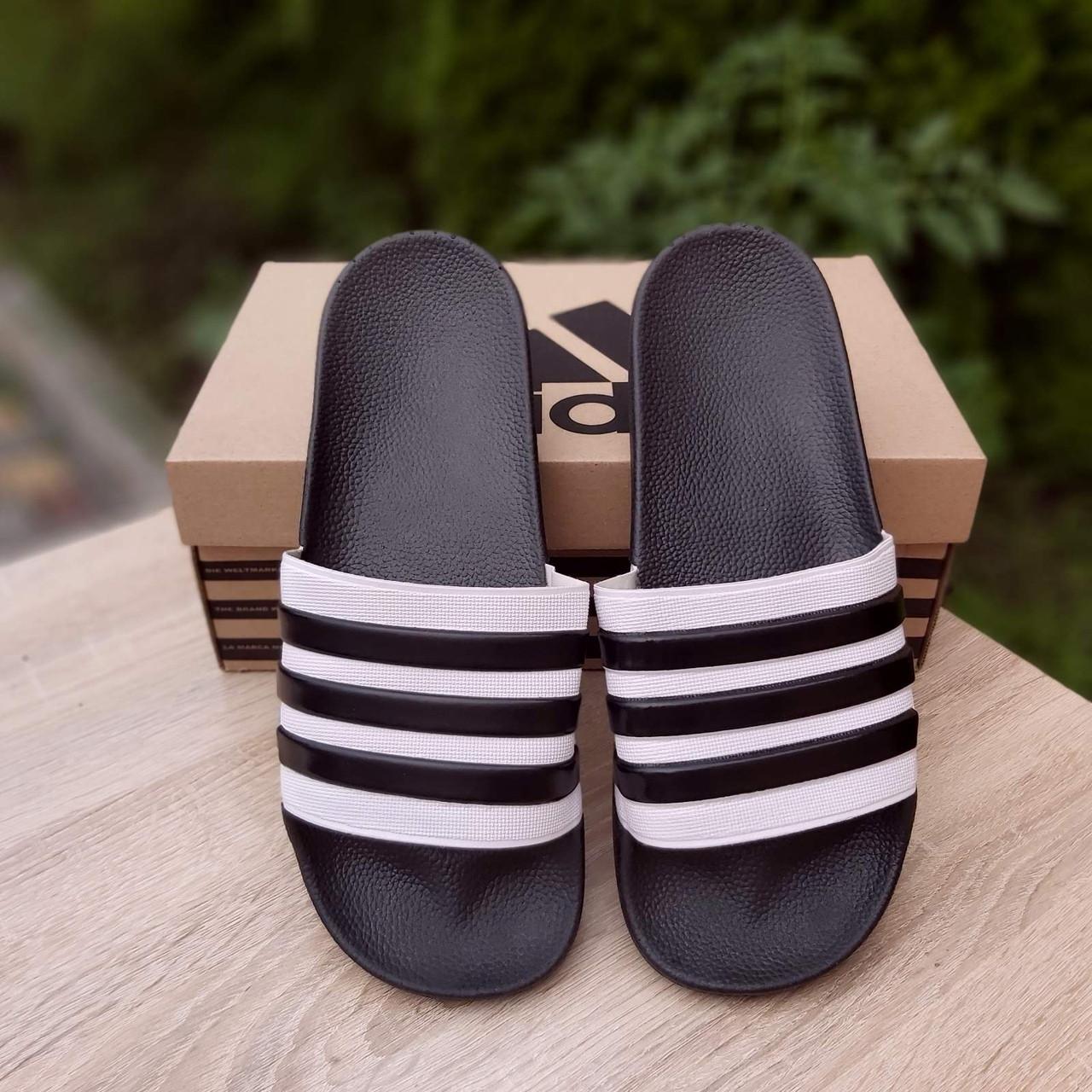 Шльопанці чоловічі Adidas чорні з білим