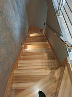 Лестница из бетона обшита деревом, фото 1