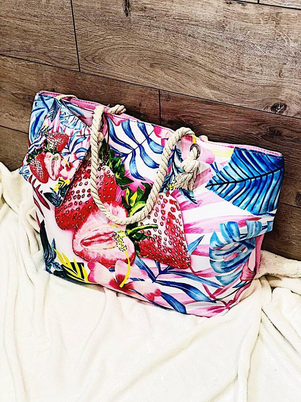 Пляжна сумка на блискавці з принтом Полуниця , плетеними ручками - канатами і гаманцем в подарунок
