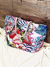 Пляжная сумка на молнии  с  принтом Клубника  , плетенными  ручками -  канатами и кошельком в подарок