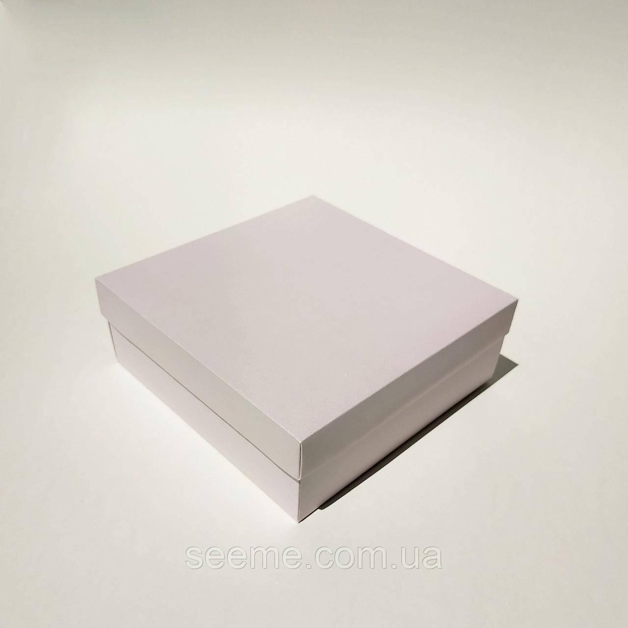 Коробка подарункова 200х200х70 мм, перламутровий колір персик\бордо