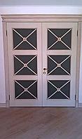 Двері з масиву з карнізомясеня