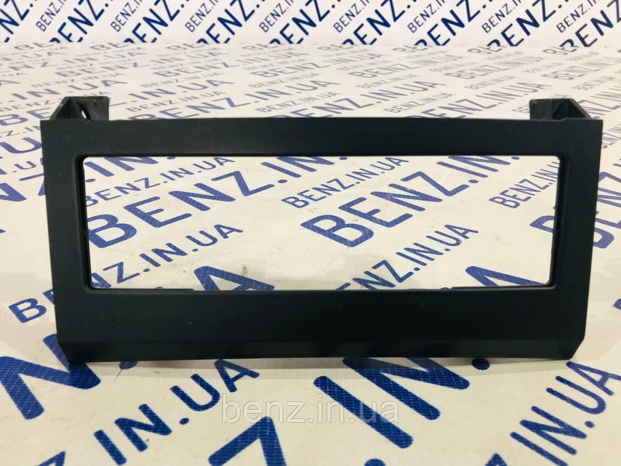 Декоративна накладка клімат контролю Mercedes C207 A2076801589