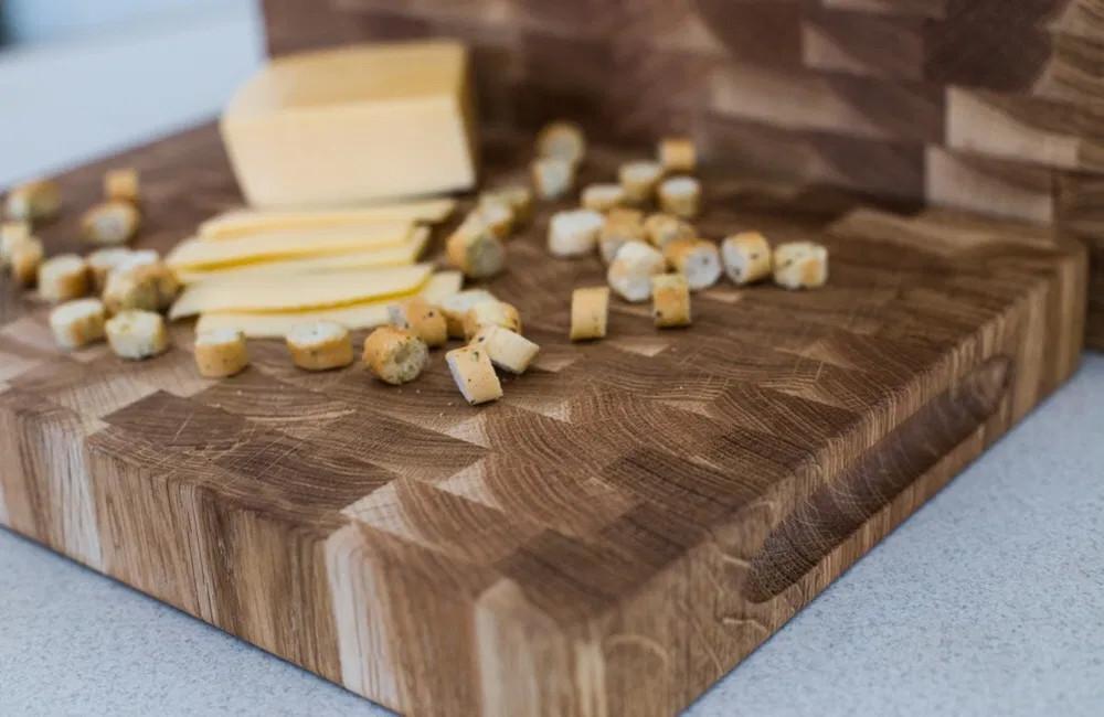Торцева обробна дерев'яна дошка для кухні Пікнічок з дуба 60х40х4 см (Кухонна дошка для нарізання)