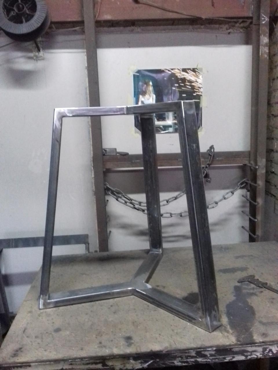 Каркас стола NORGE в скандинавском стиле под круглую столешницу d900mm из трубы 50х25