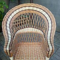 Кресло со вставками