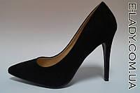 Замшевые черные классические туфли на шпильке