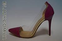 Сиреневые лаковые туфли с прозрачными вставками на шпильке