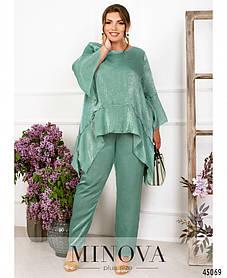 Нарядный женский костюм с брюками и блузкой из шёлка оливкового цвета  больших размеров от 50 до 60