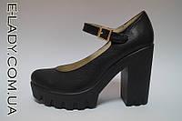 Натуральные кожаные туфли на платформе и высоком каблуке