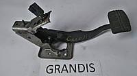Педаль тормоза Mitsubishi Grandis MR995295