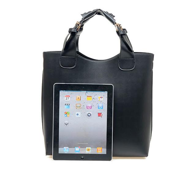Женская сумка-шоппер черная с iPad.