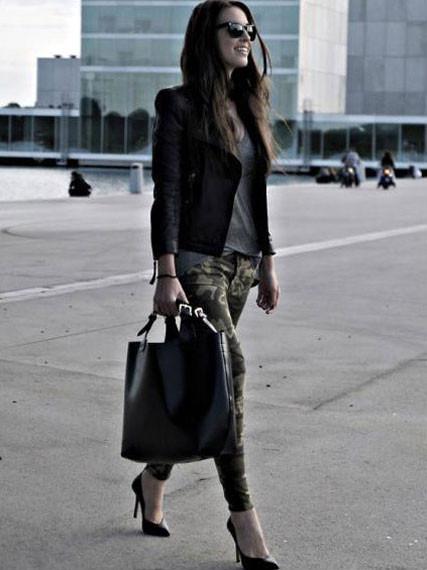 Девушка с сумкой-шоппер.