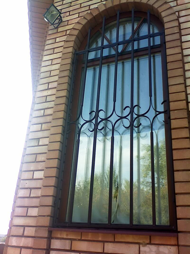 Купить металлические решетки на окна