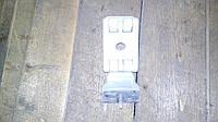 Петля задний двери Renault Master 2.3 dci 2010 -> Оригинал б\у