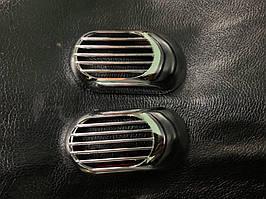Mazda 2 2003-2007 рр. Решітка на повторювач `Овал` (2 шт., ABS)