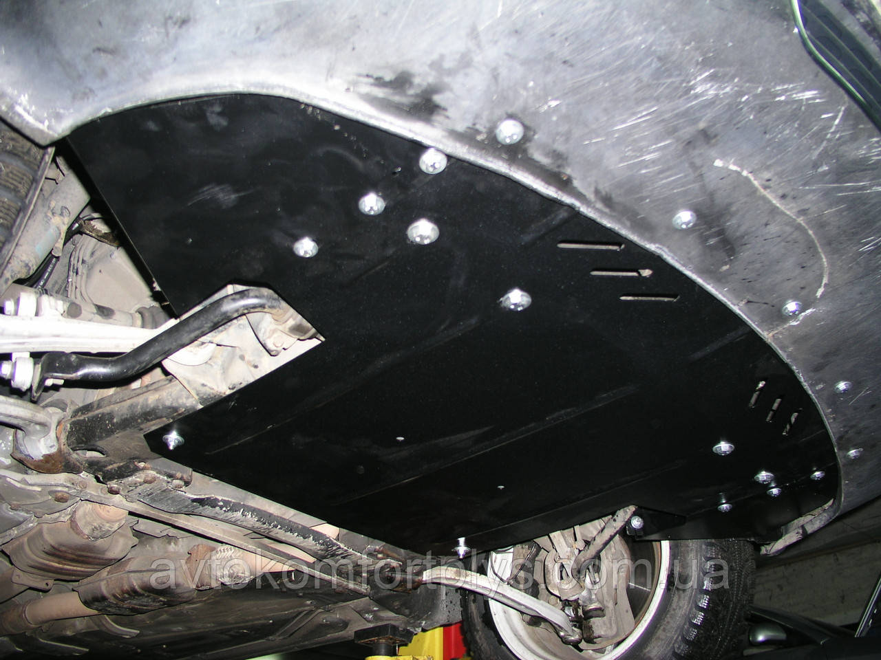 Металлическая (стальная) защита двигателя (картера) Audi A8 (2000) (V-4,2 )