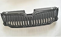 Оригинальная решетка радиатора ( верхняя  бампера ) в бампере Шкода Октавия А7 Octavia A7 до 2017, фото 1