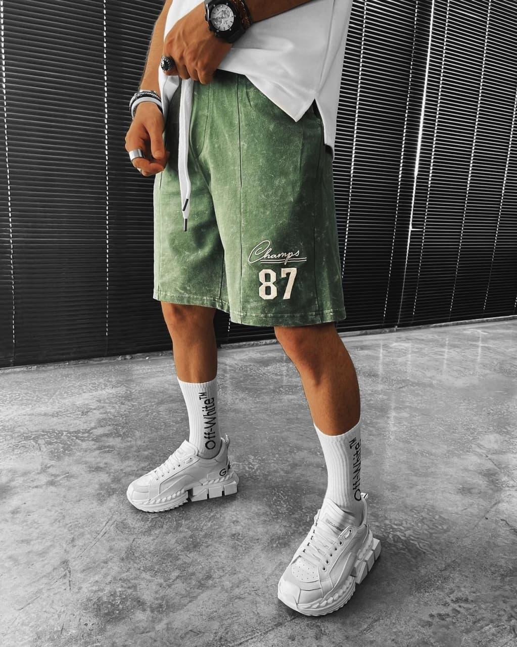 Мужские трикотажные шорты зеленого цвета