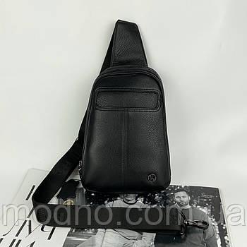 Мужская кожаная нагрудная сумка слинг через плечо на два отделения H.T. Leather