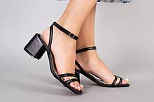 Босоножки женские кожаные черные на устойчивом каблуке