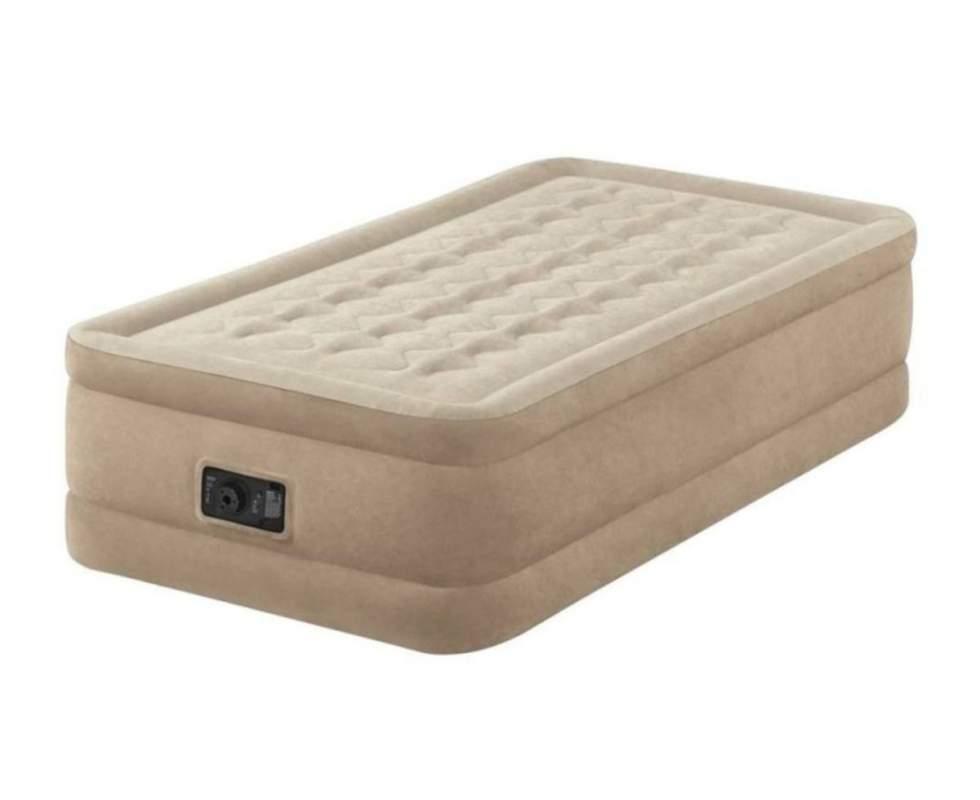 Одномісний надувний велюрова ліжко з вбудованим насосом Intex 64426 (розмір 99*191*46 см)