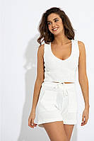 Річний в'язаний костюм-двійка з топа і шорт з накладними кишенями з напіввовняної пряжі. Білий, фото 1