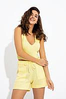 Річний в'язаний костюм-двійка з топа і шорт з накладними кишенями з напіввовняної пряжі. Жовтий, фото 1