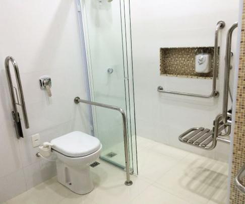 Поручні металеві санітарні для пенсіонерів, інвалідів, людей з проблемами руху