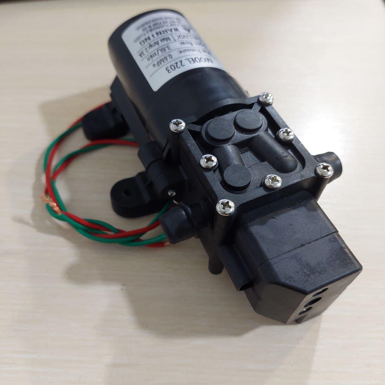Насос для садового обприскувача (12В). 2203 з датчиком тиску. Для електричних обприскувачів. 3.6 л/хв.