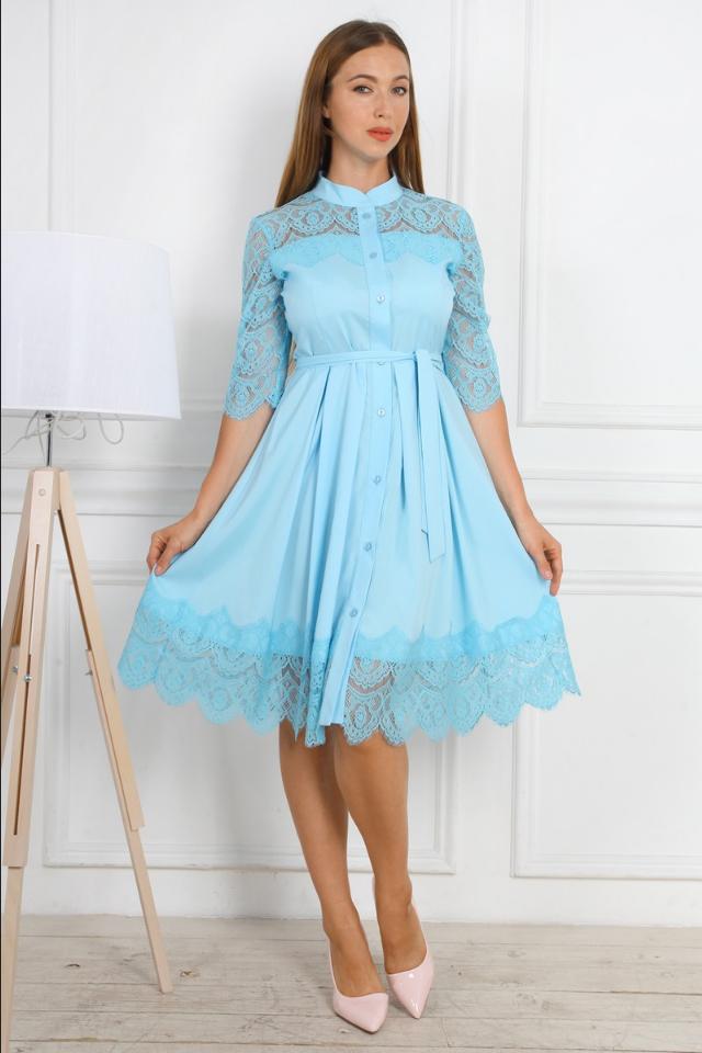 Нарядное женское праздничное платье приталенного покроя с гипюровыми вставками