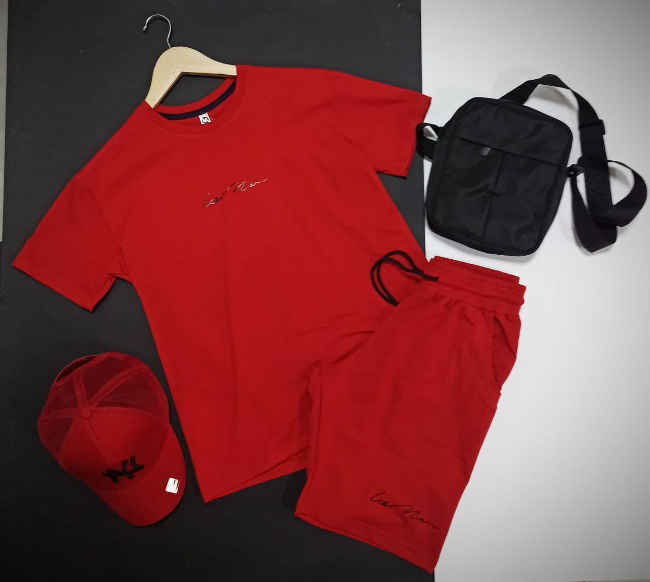Мужской летний прогулочный комплект шорты и футболка красного цвета с сумкой месседжером