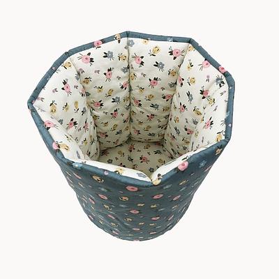 Мешок (корзина) для хранения, Ø30*35 см, (хлопок/сатин), Одинокие мелкие цветочки на белом/пыльно-бирюзовом