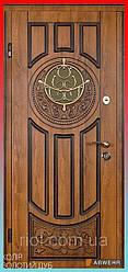 Входные двери со стеклом модель Luck Glass (уличная пленка Золотой Дуб + Патина снаружи) комплектация Classic